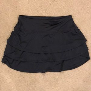 Athleta ruffle skirt with shorts skort XS